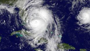 Dlaczego i kiedy powstają potężne huragany
